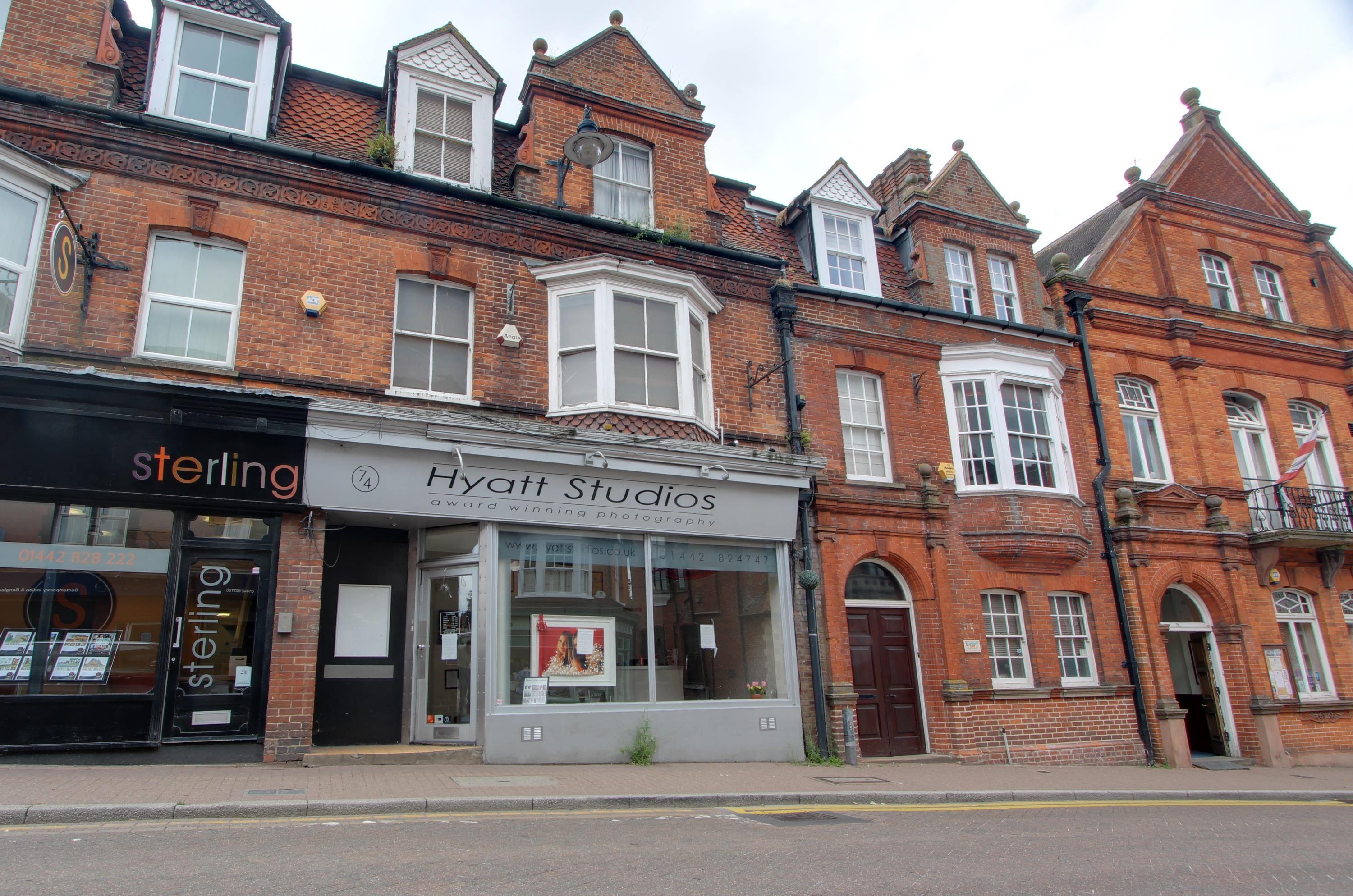 SHOP TO LET IN PRIME TRING HIGH STREET